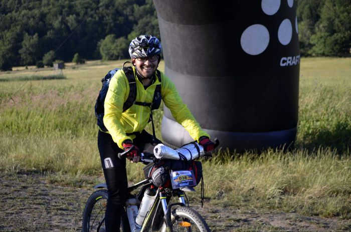 Michal Ozogán doráží do CP1 závodu 1000 miles adventure
