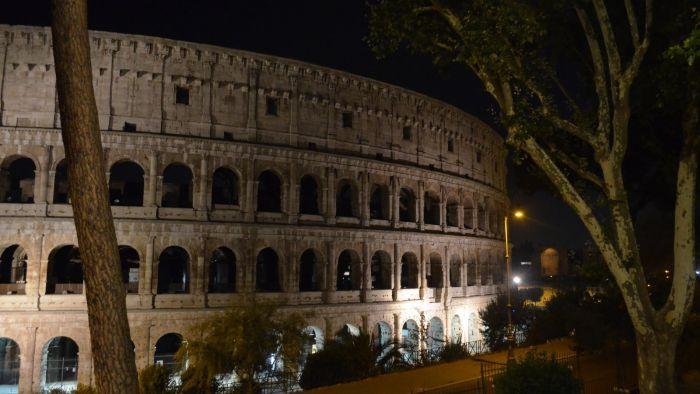 Koloseum ve tmě, Řím