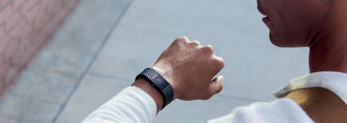 Představení nových náramků Fitbit Charge 2 a Fitbit Flex 2