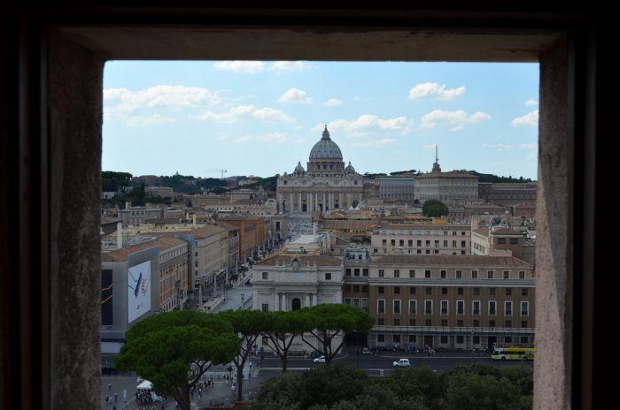 Andělský hrad - Výhled na baziliku sv. Petra