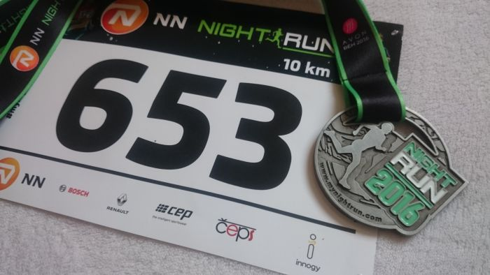 Medaile a startovní číslo Night Run